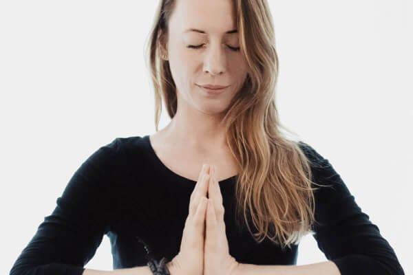 Antonia Bahr praktiziert Yoga seit der Geburt ihrer ersten Tochter. Für sie ist Yoga